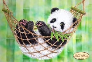 Панда в гамачке. Размер - 24 х 17 см.