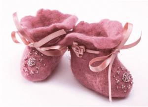 Розовые пинетки. Размер - 7 х 8 см.