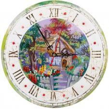 Часы с домиком. Размер - 25,5 х 25,5 см.