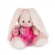 Зайка Ми в розовой юбочке и с букетом.