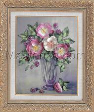 Шёлковый сад | Букет шиповника и ежевики. Размер - 19 х 28 см