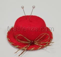 """Игольница """"Красная шляпка с украшением"""",цвет красный,размер - 7,5х7,5х3 см"""