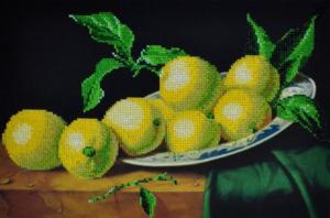 Натюрморт с лимонами. Размер - 35 х 24 см.