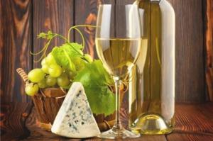 Сыр и вино. Размер - 50 х 40 см.
