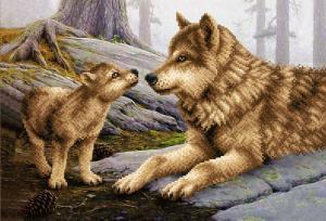 Волчица с волчонком. Размер - 39 х 27 см.