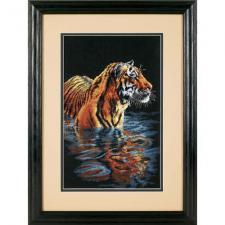 Купающийся тигр. Размер - 23 х 36 см