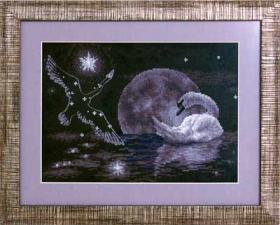 Лунный лебедь. Размер - 29 х 20,5 см.