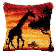 Жираф. Размер - 40 х 40 см.