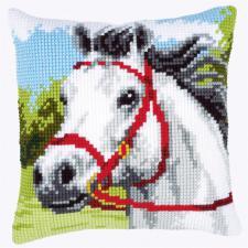 Белая лошадь. Размер - 40 х 40 см.