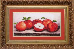 Яблоки. Размер - 31 х 15 см.