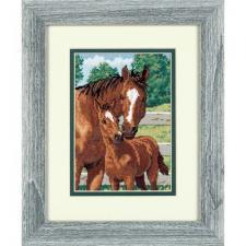 Материнская гордость (лошади). Размер - 13 х 18 см