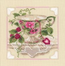 Малиновый чай. Размер - 20 х 20 см.